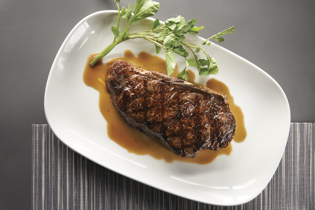 Morton's Grille Caters to the Masses