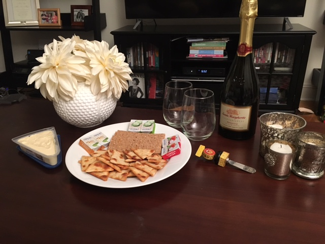 girls_night_in_cheese_prosecco