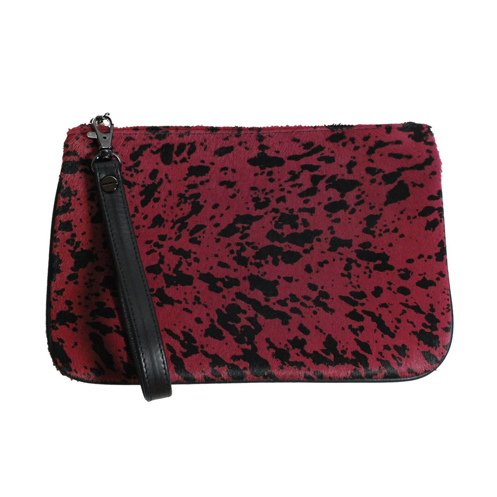 lampone_nero_clutch_front_view_formatted_strap_1024x1024