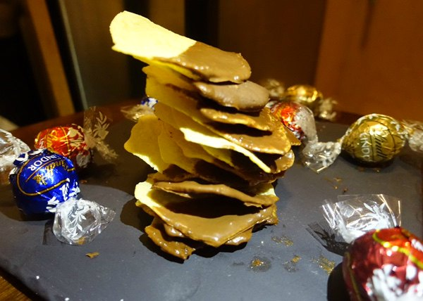 chocolate-dipped-potato-chips