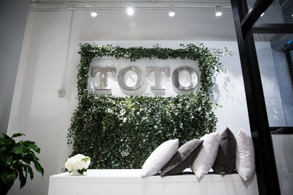 TOTO welcome